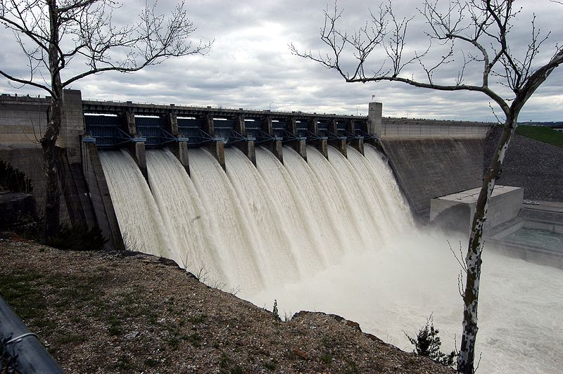 800px-Table_Rock_Dam_during_April_2008_White_River_Flood