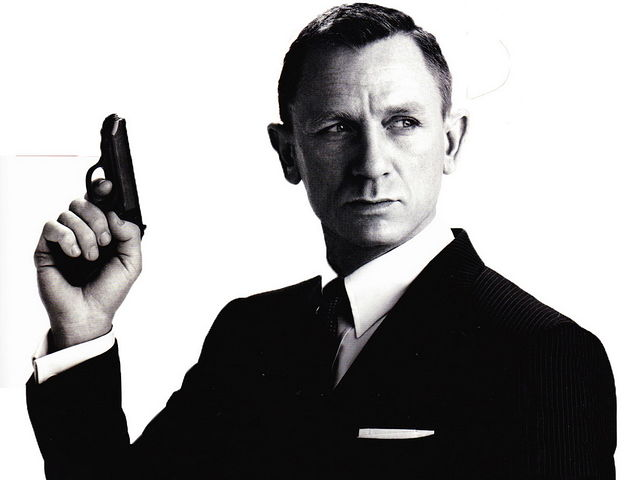 spectre-new-trailer-reveals-a-big-james-bond-blofeld-plot-twist-james-bond-24-is-a-r-334871